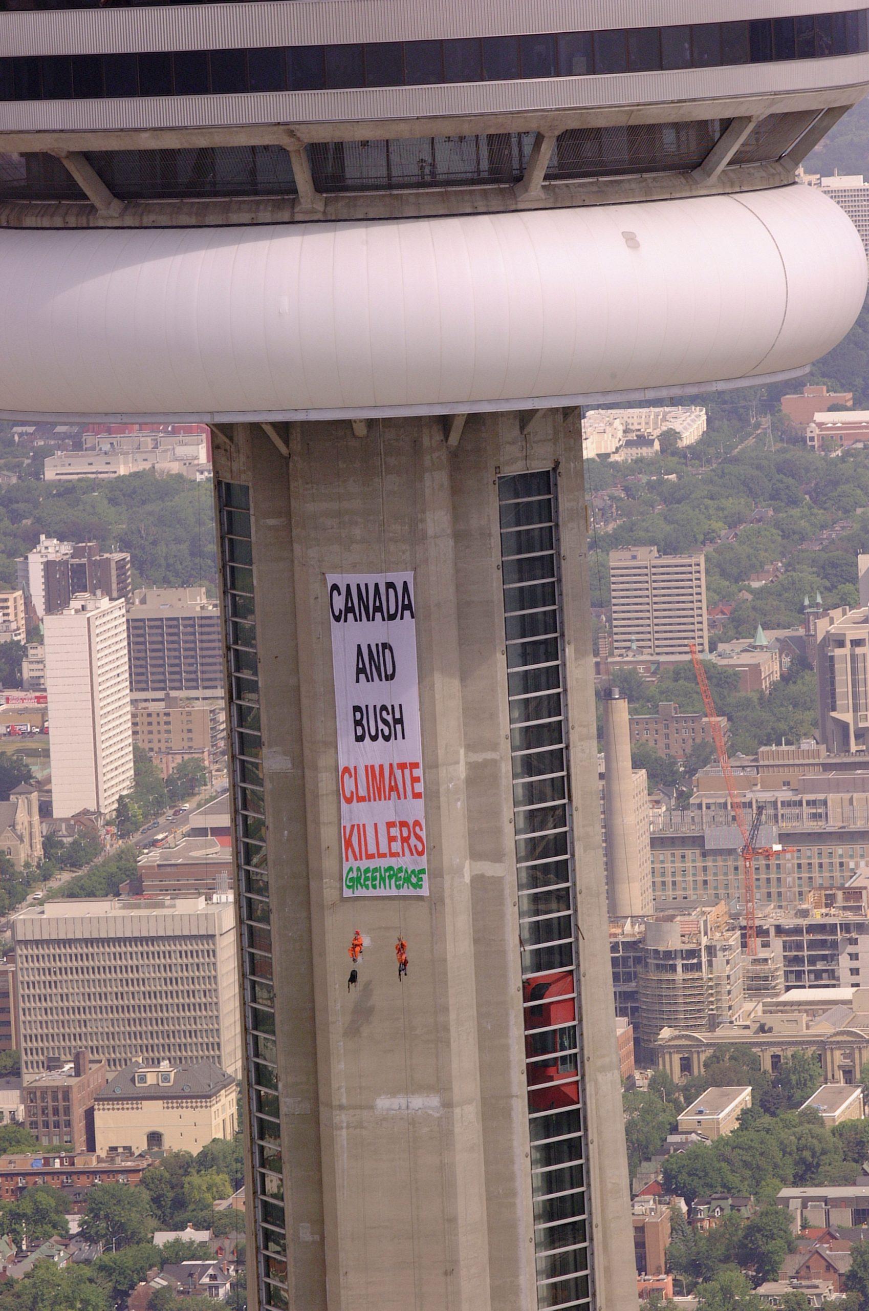 Escalade de la tour du CN à Toronto